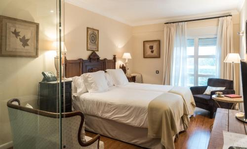 Superior Double or Twin Room with Mountain View - single occupancy Casona del Boticario 5