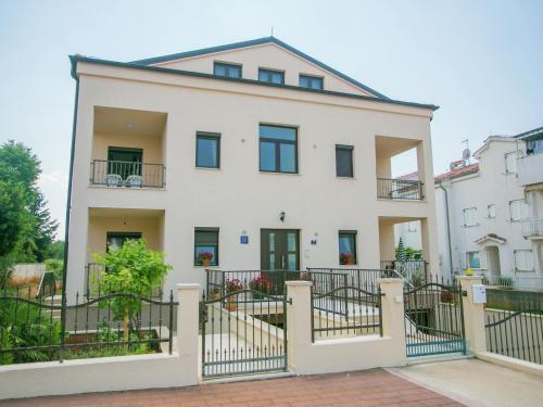 Apartment Sara 2