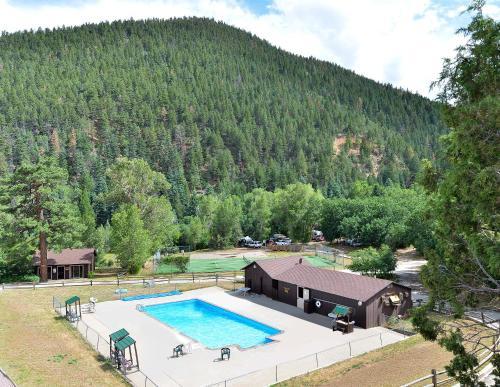 Cutty's Hayden Creek Resort