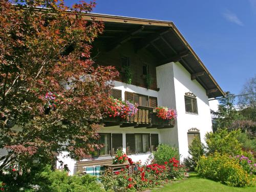 Holiday home Hollersbach