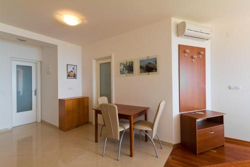 Apartments Mirta