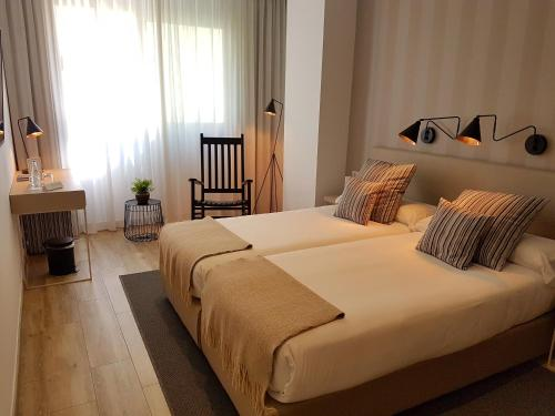 Budget Double or Twin Room - single occupancy Hotel Boutique Balandret 4