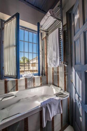 Habitación Doble Clásica con bañera de hidromasaje - 1 o 2 camas - Uso individual Las Casas de la Judería de Córdoba 8