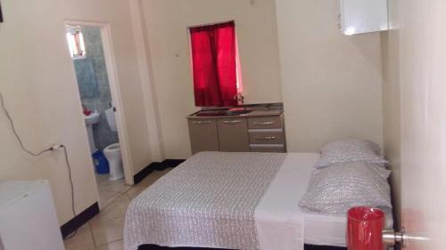 Hotel Bar Restaurant Emergency 911, Paramaribo