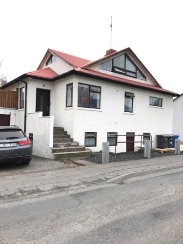 HotelQQ house