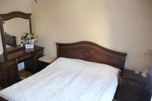 Kamar Double Besar (Large Double Room)