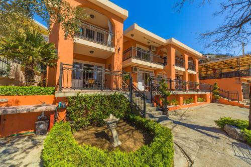 Villa Nena Apartments Sutomore