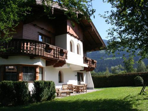 Holiday home Chalet Neuhaus 2