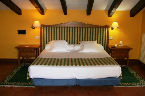 Superior Double Room Hotel Obispo 4