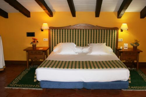 Superior Double Room Hotel Obispo 7