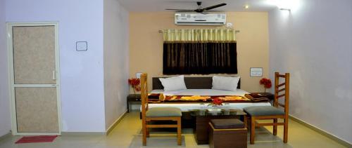 Shree Krishna Holiday Resort