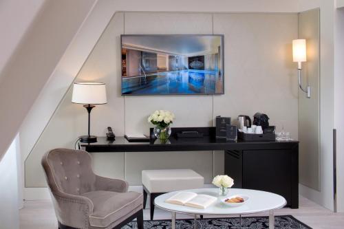 la villa haussmann 17th arrondissement batignolles monceau paris ile de france paris region. Black Bedroom Furniture Sets. Home Design Ideas