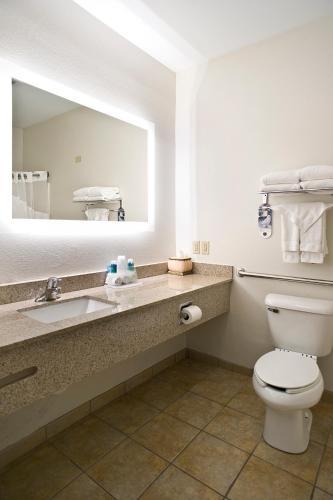 Holiday Inn Express Hotel & Suites Vermillion