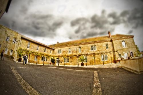 Logis Hôtel Restaurant Le Prieure