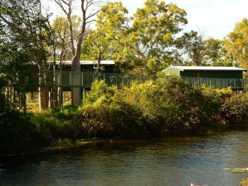 Parry Creek Farm Tourist Resort and Caravan Park
