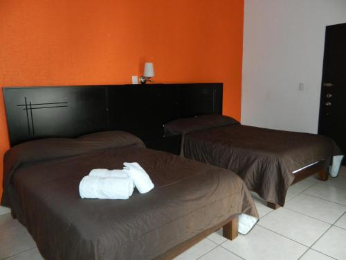 Quarto Twin com Banheira (Twin Room with Bathroom)