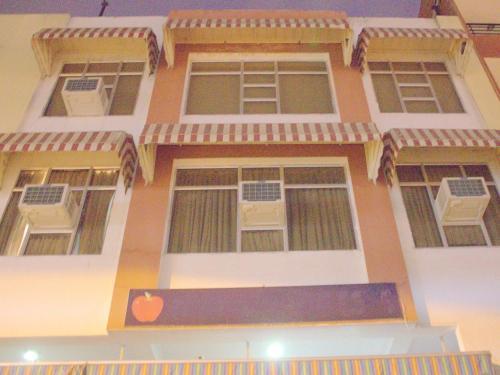 HotelOYO 3311 Hotel Apple 9