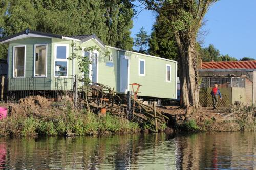 Marshlands Lakeside Nature Retreat