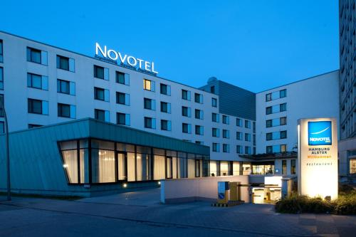 Novotel Hamburg City Alster photo 2