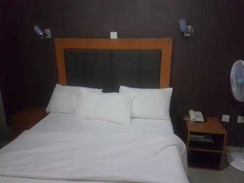 A-One Class Hotel,