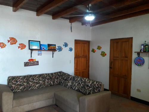 Casa Del Pescador, Tola