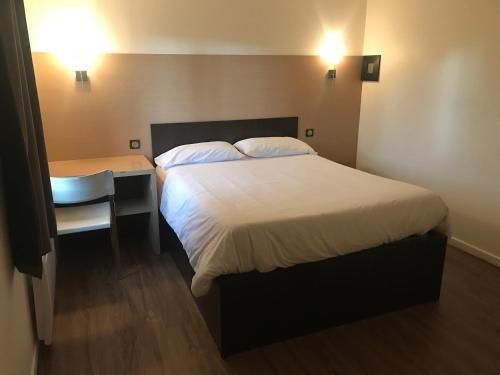 Hotels Near Au Rendez Vous Des Chasseurs Pierrelaye Best Hotel
