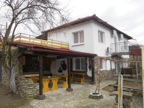 "Guest House ""Stеvrek By the River"", Stevrek"