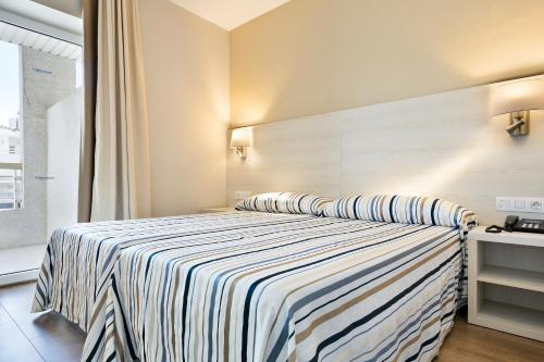 Doppelzimmer (2 Erwachsene + 1 Kind ) (Double Room (2 Adults + 1 Child ))