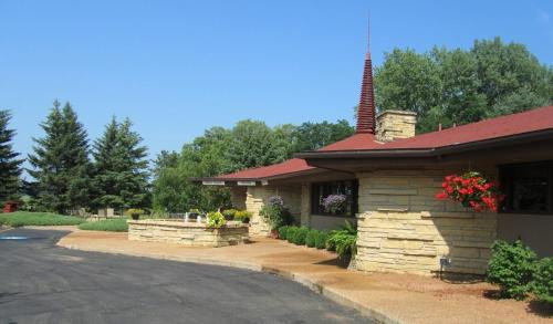 Spring Valley Inn