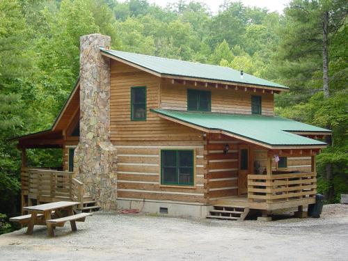 Bear Creek - Secluded Log Cabin Overlooking Creek - near Boone, NC