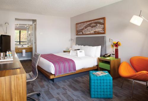 Avatar Hotel CA, 95054
