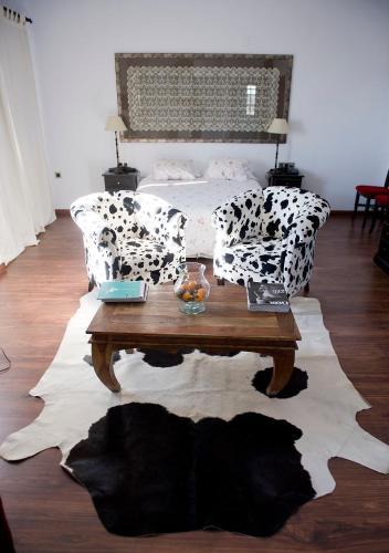 Suite Hotel Las Casas del Consul 1