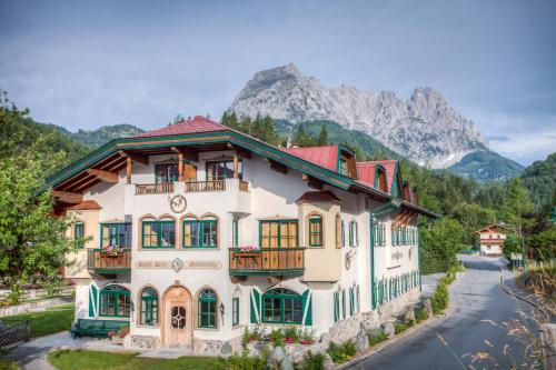Cameră dublă cu vedere la munte (Double Room with Mountain View)