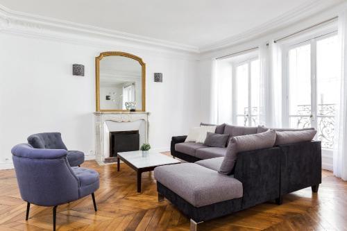 Private Apartment - Arc de Triomphe - Champs Elysé