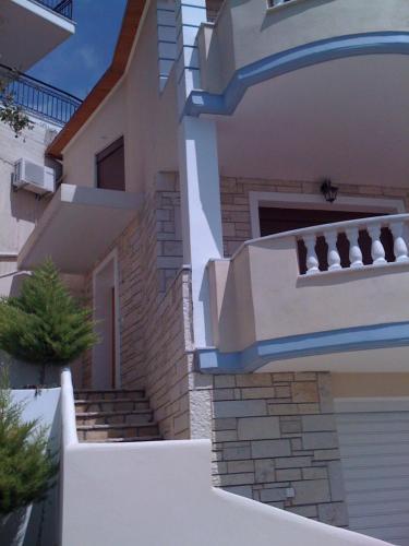 Demi's House Vrachos