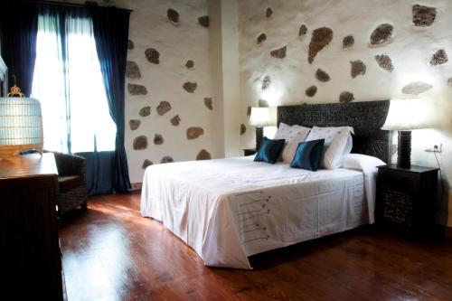 Double Room (2 Adults + 1 Child) Hotel Boutique Oasis Casa Vieja 5