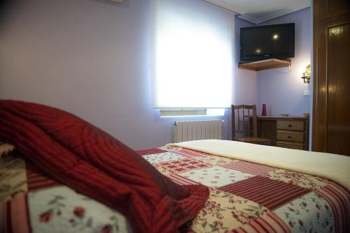 Kamer met Tweepersoonsbed of 2 Aparte Bedden, met Badkamer (Double or Twin Room with Bathroom)