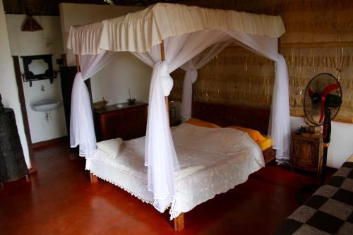 Hôtel La Pirogue, Mahambo