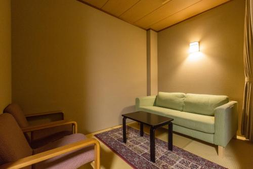 Japanese-Style Standard Twin Room with Private Bathroom - New Building