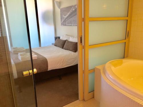 Adelaide DressCircle Apartments - North Terrace photo 50