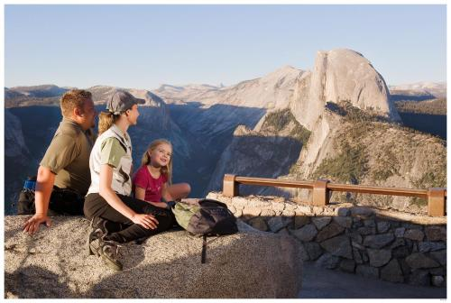 Tenaya lodge fish camp ca kid friendly hotel reviews for Fish camp yosemite