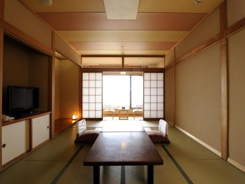 Japanese-Style Superior Triple Room with Ocean View