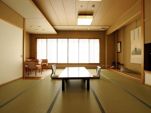 Japanese-Style Triple Room with Ocean View