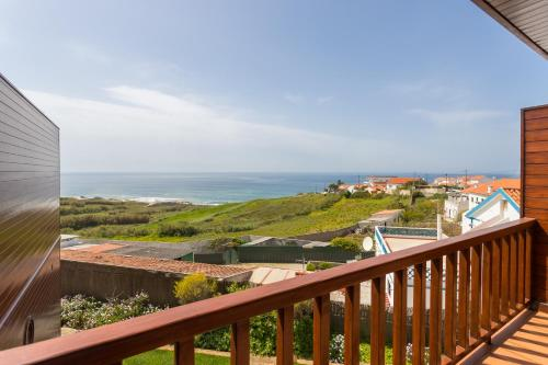 Feels Like Home Ericeira Bungalows with View