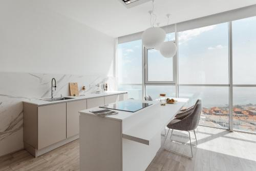 Property Image#6 Sea And Sky Apartment