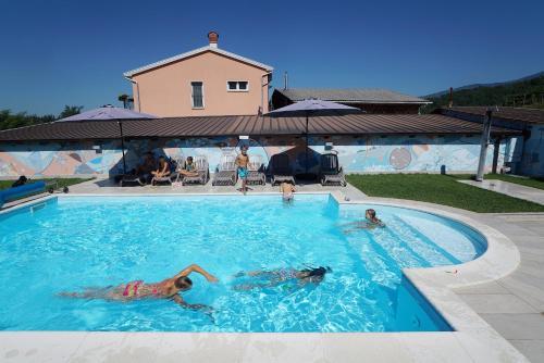 Saksida Holiday Park, Zalošče