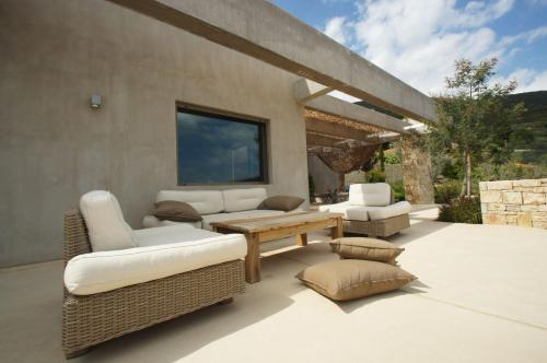 Minimal Villa in Peloponnes