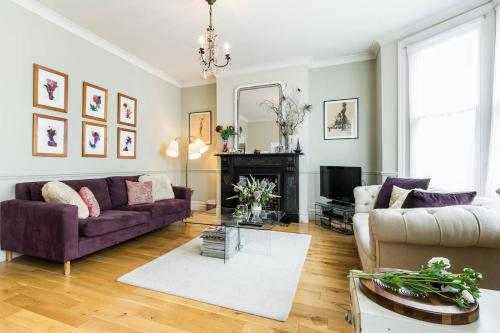 Chic and Eclectic Victorian 2 bed in Kensal Green