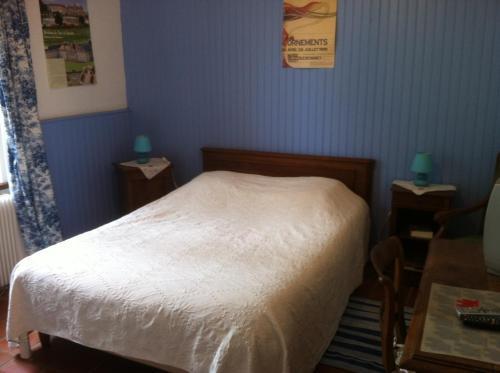 ferme du montheu chambre d 39 h tes ferme du montheu 54770. Black Bedroom Furniture Sets. Home Design Ideas