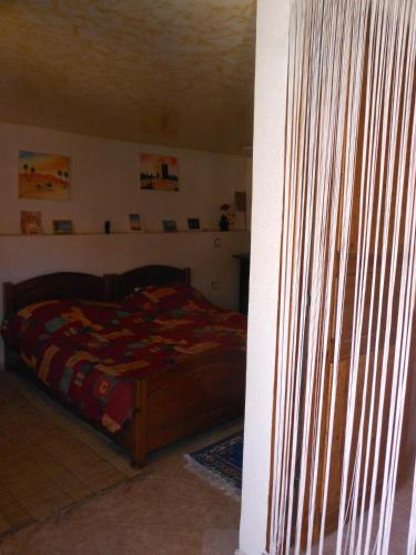 Casa con 3 Habitaciones (Three-Bedroom House)